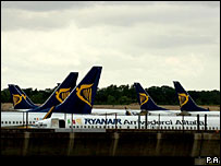 Ryanair planes grounded at Stansted by the terror alert