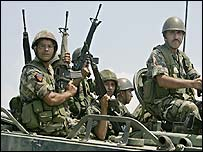 Lebanese army troops