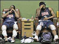 Dwayne Wade, izq., y LeBron James