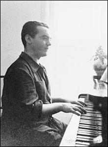 Federico Garcia Lorca, Huerta de San Vicente, Granada, 1935.