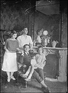 Concha and Francisco, with Lorca and Isabel seated. 1917-1918
