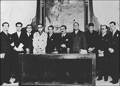 Lorca (second left) and friends Seville, 16 or 17 December 1927.