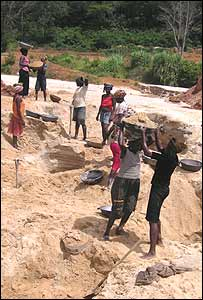 Women mining in Sierra Leone