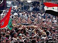 Crowds in Baghdad before the 2005 stampede
