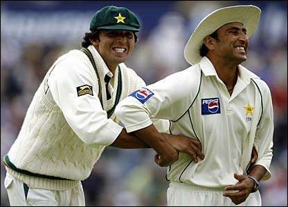 Mohammad Asif and Younis Khan share a joke