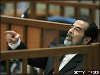 Саддам Хусейн во время суда