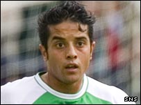 Merouane Zemmama in action for Hibs