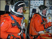 Astronauts Joe Tanner (r) and Heidemarie Stefanyshyn-Piper (picture: Nasa)