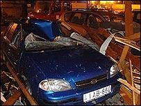 Damaged car in Budapest. Photo: Tiszavary Eszter
