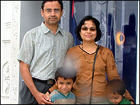 Kal Murali, his wife Latha and two children Ashwin and Aron