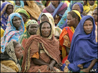 Women in Darfur camp for displaced