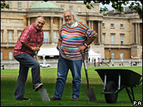 Time Team presenters at Buckingham Palace