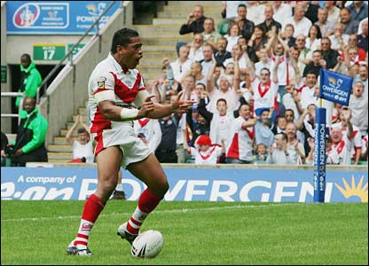St Helens' Willie Talau celebrate
