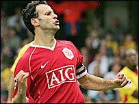 Ryan Giggs celebrates his goal