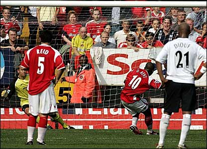 Darren Bent scores from the penalty spot for Charlton