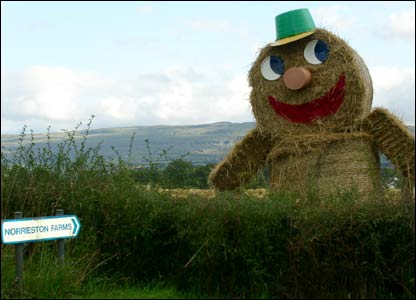 Straw monster scarecrow (picture by Duncan Kirkhope)