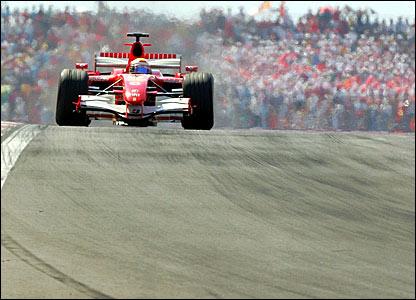 Felipe Massa races at Istanbul