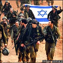 Israeli soldiers return from fighting Hezbollah in southern Lebanon