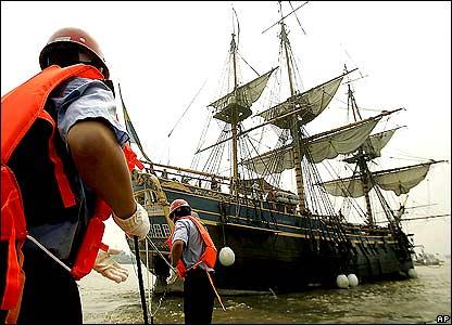 """В китайский порт Шанхай прибыл корабль """"Гетеборг"""" - точная копия судна XVIII века"""