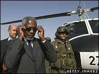 كوفي عنان بعد وصوله إلى إسرائيل