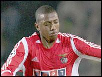 Benfica midfielder Manuel Fernandes is a Portsmouth target
