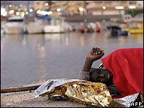 Migrant sleeps in Los Cristianos