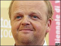 Toby Jones at the premiere of Infamous