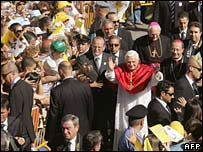 Crowds greet Pope Benedict XVI