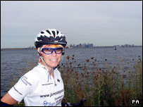 Jane Tomlinson reaches Staten Island, New York