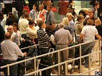 Passenger queues at Heathrow in August 2006