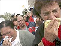 Partidarios de López Obrador lloran afuera del Tribunal