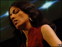 Zoe Rahman performing