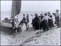 Terror, Emsworth, taking people sailing in 1910 (courtesy of Emsworth Museum)