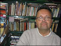Jorge, vendedor de libros.