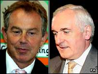Tony Blair (l) and Bertie Ahern (r)