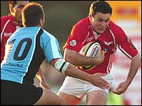 Scarlets fly-half Stephen Jones makes a break against Glasgow