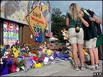 Mourners at Steve Irwin's zoo in Australia