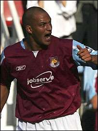Bobby Zamora celebrates his goal