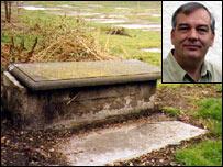 David Ferdinando and the grave of Antonio Caravajal