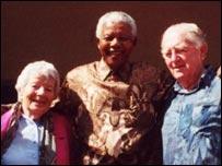 Hilda Bernstein with her husband Rusty and Nelson Mandela