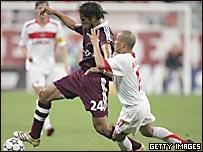 Roque Santa Cruz del Bayern Munich y Clemente Rodr�guez del Spartak Mosc�.