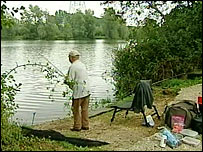 Fishing at Little Testwood Lake