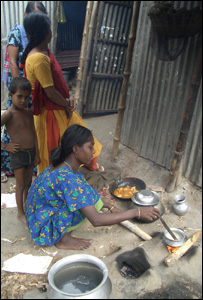 Young girl cooking (Image: Kate Forbes)