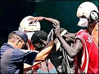 Autoridades de Islas Canarias detiene a inmigrante africano