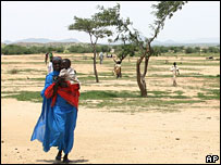 Woman and child in Chad refugee camp