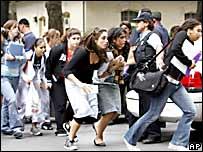 Estudiantes huyen despavoridos del tiroteo