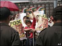 simpatizantes del ex candidato presidencial Andrés Manuel López Obrador protagonizan protesta