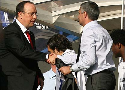 Jose Mourinho shakes hands with Rafa Benitez