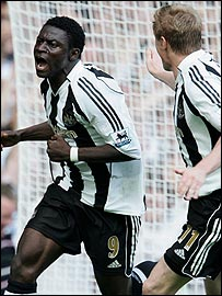 Obafemi Martins and Damien Duff