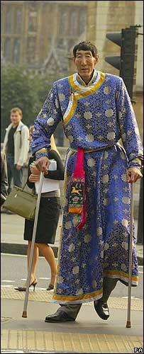 Xi Shun, el hombre m�s alto del mundo.